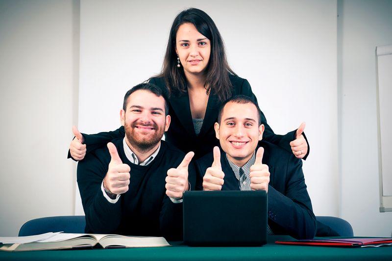 Slaganje poslovnih kolega