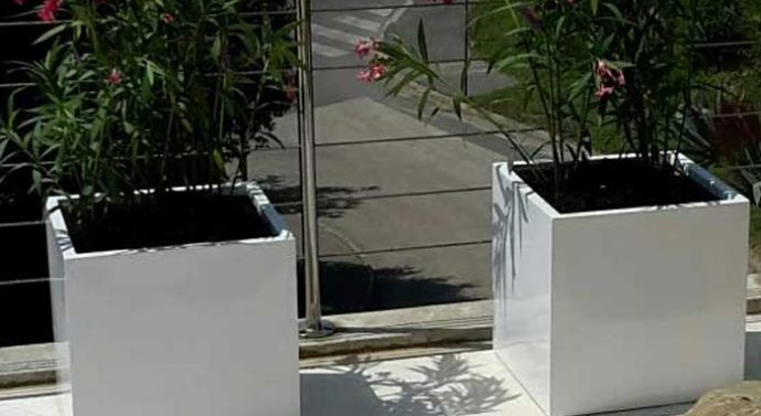 Vanjske žardinjere upotpunit će svaki vrt
