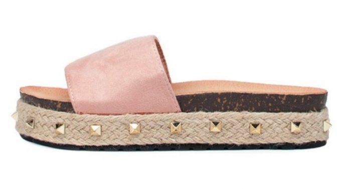 Ženske sandale su neočekivani gost tijekom cijele sezone