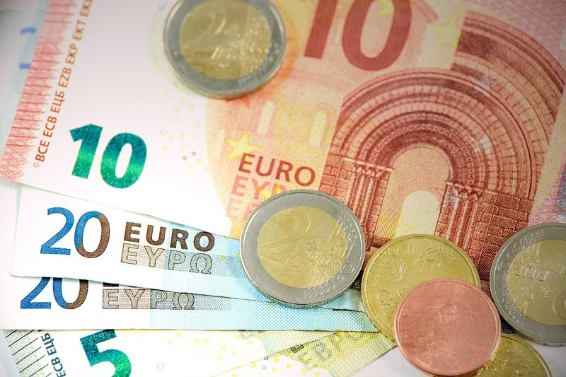 Porez u Hrvatskoj na dobit iznosi 12 % za manje od 405.000 eura godišnje